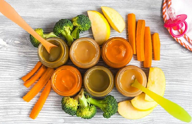 Bebeklerde ek gıdalara geçiş süreci