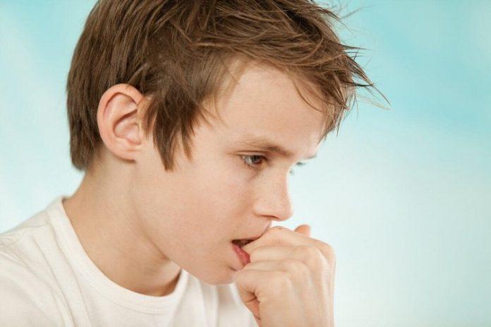 Çocuklarda davranış problemleri: Tırnak yeme ve parmak emme