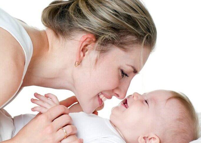 Anne ve bebek bağlanmasında duygusal besleme