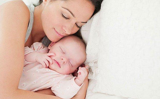 Bebek gelişiminde iletişim evreleri ve bebeklerde dil gelişimi