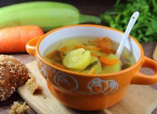 Yaz sebzeleri ile yapılmış bebe çorba 6 ay ve sonrası