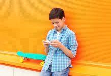 Çocuğa akıllı telefon kaç yaşında alınmalı?
