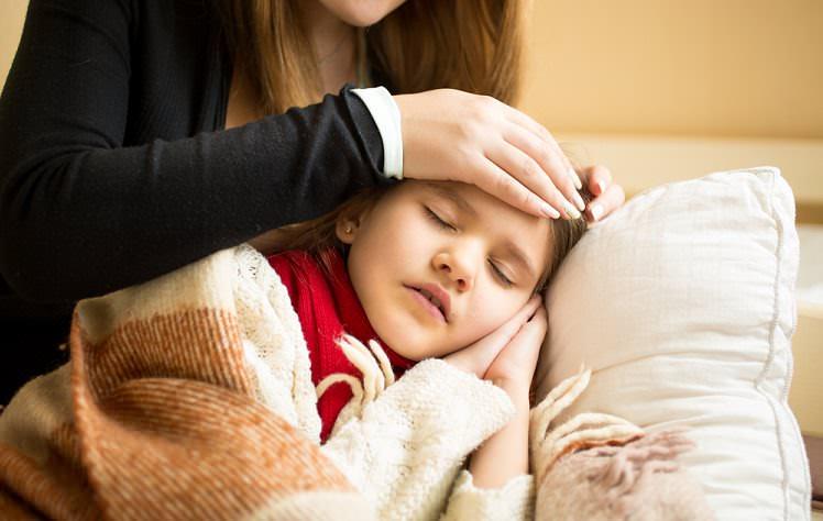 Çocuklarda boğaz ağrısı sebepleri ve tedavisi
