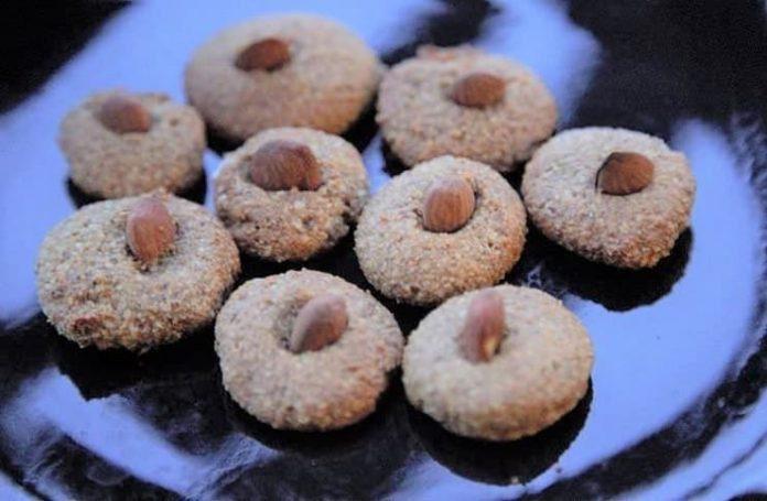 Şekersiz acıbadem kurabiyesi 2 yaş ve sonrası çocuklar için