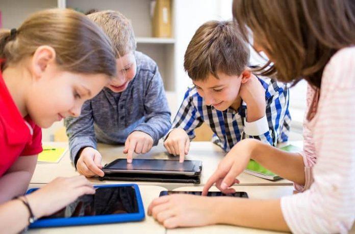 Çocuklar dijitali güvenli, bilinçli ve etkin kullanabilir mi?