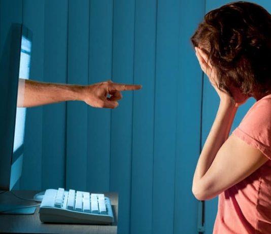 Siber zorbalığa uğrayan çocuk saklamayı tercih ediyor!