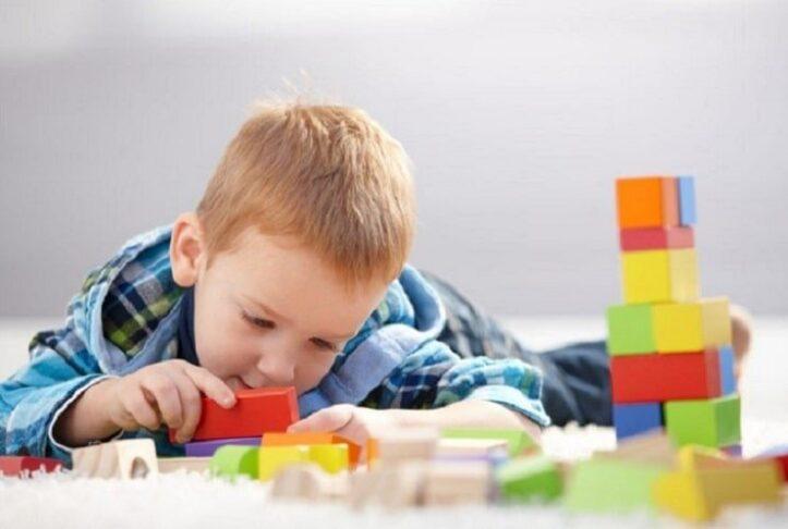 Montessori eğitimi nedir ne gibi etkinlikler içerir?