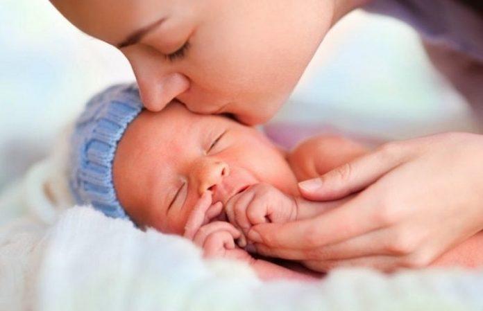 Erken doğan bebek annesinden neler bekler