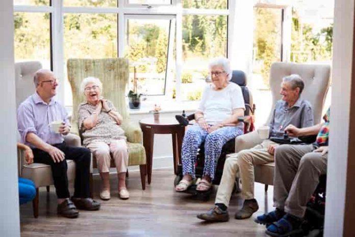 Demans hastalarının bakımı için gündüz yaşam evleri önemli