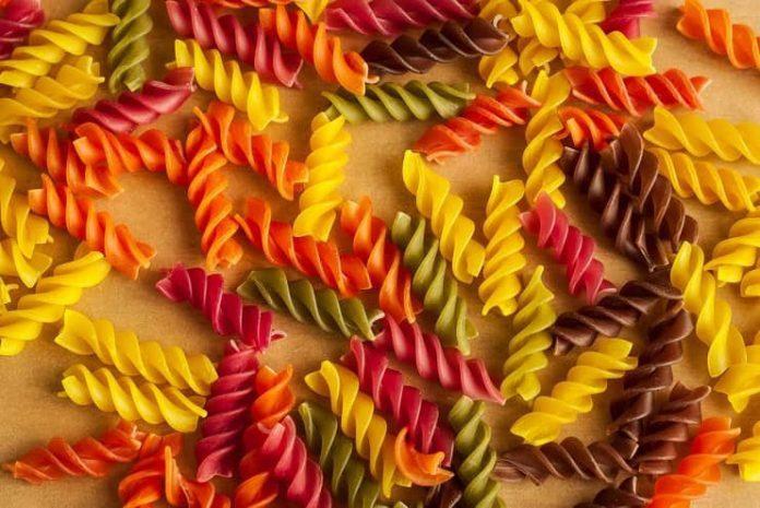 Yiyeceklerinizi renklendirmenin doğal yolları