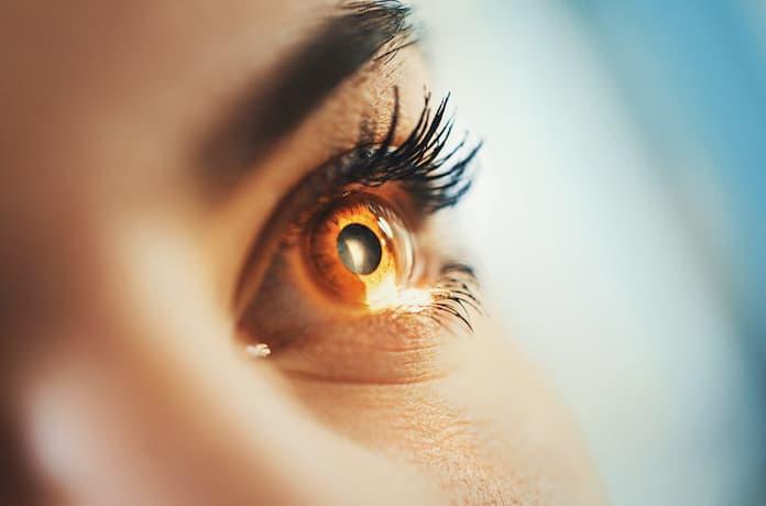 Gözde batma, kızarma, bulanık görme göz kuruluğu belirtisi olabilir!