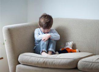 Çocukları dövmek veya azarlamak yasaklanıyor
