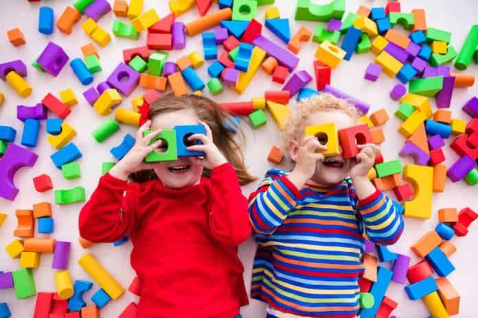 Evde çocuklarla oynanabilecek oyunlar. En güzel 18 oyun