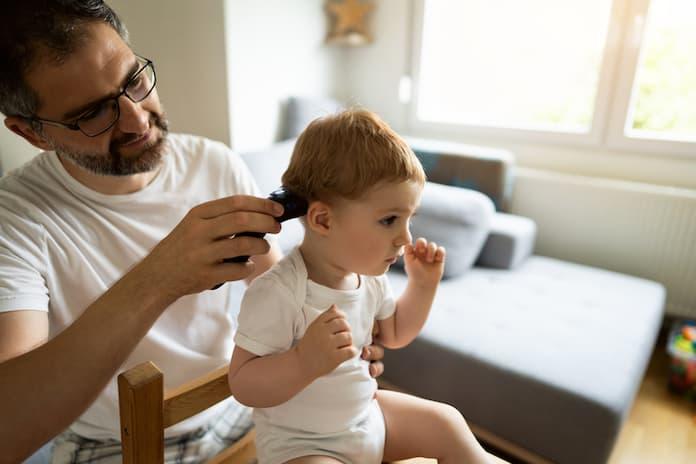 Çocuğunuz saçları kesilirken ağlıyor mu? Bu annelerden ilham alın
