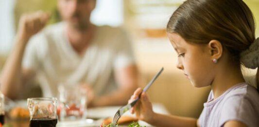 Beslenme konusunda çocuğunuza nasıl örnek olabilirsiniz?